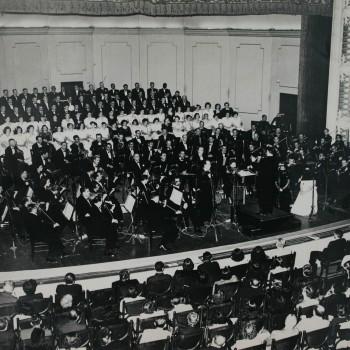 Orquestra Sinfônica Municipal e Coral Lírico em Réquiem, de Verdi, 1949 (Acervo Theatro Municipal)