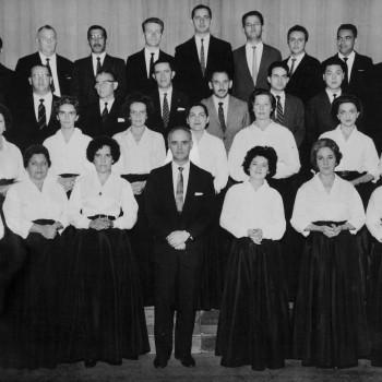 Maestro Miguel Arqueróns e Coral Paulistano, 1961 (Acervo Theatro Municipal)